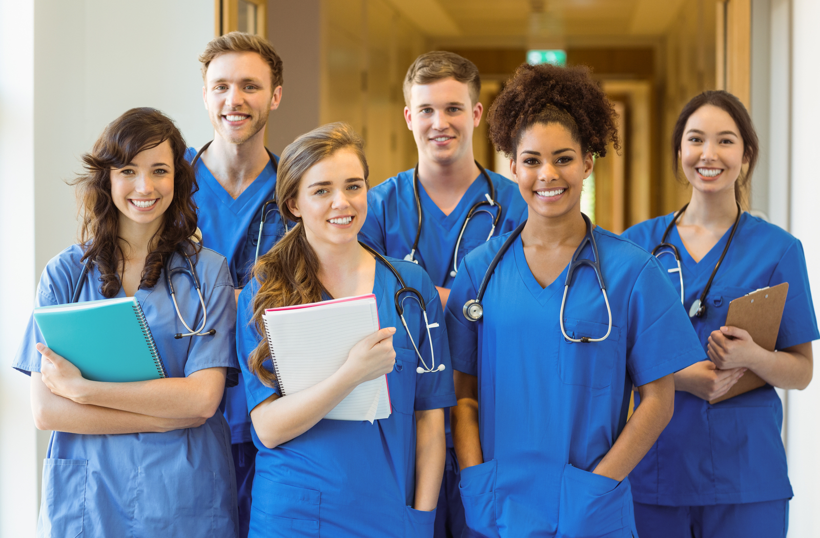 a-group-of-medical-students-top-5-medical-schools-to-study-at-in-canada