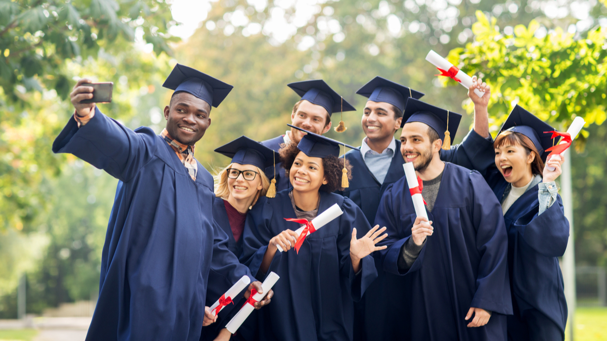 Young foreign graduates - immigrate to Canada from Nigeria in 2021